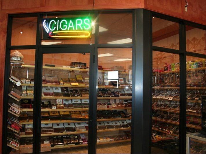 King Tobacco Humidor