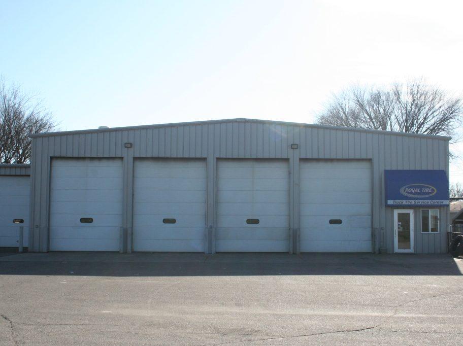 Royal Tire East Garage